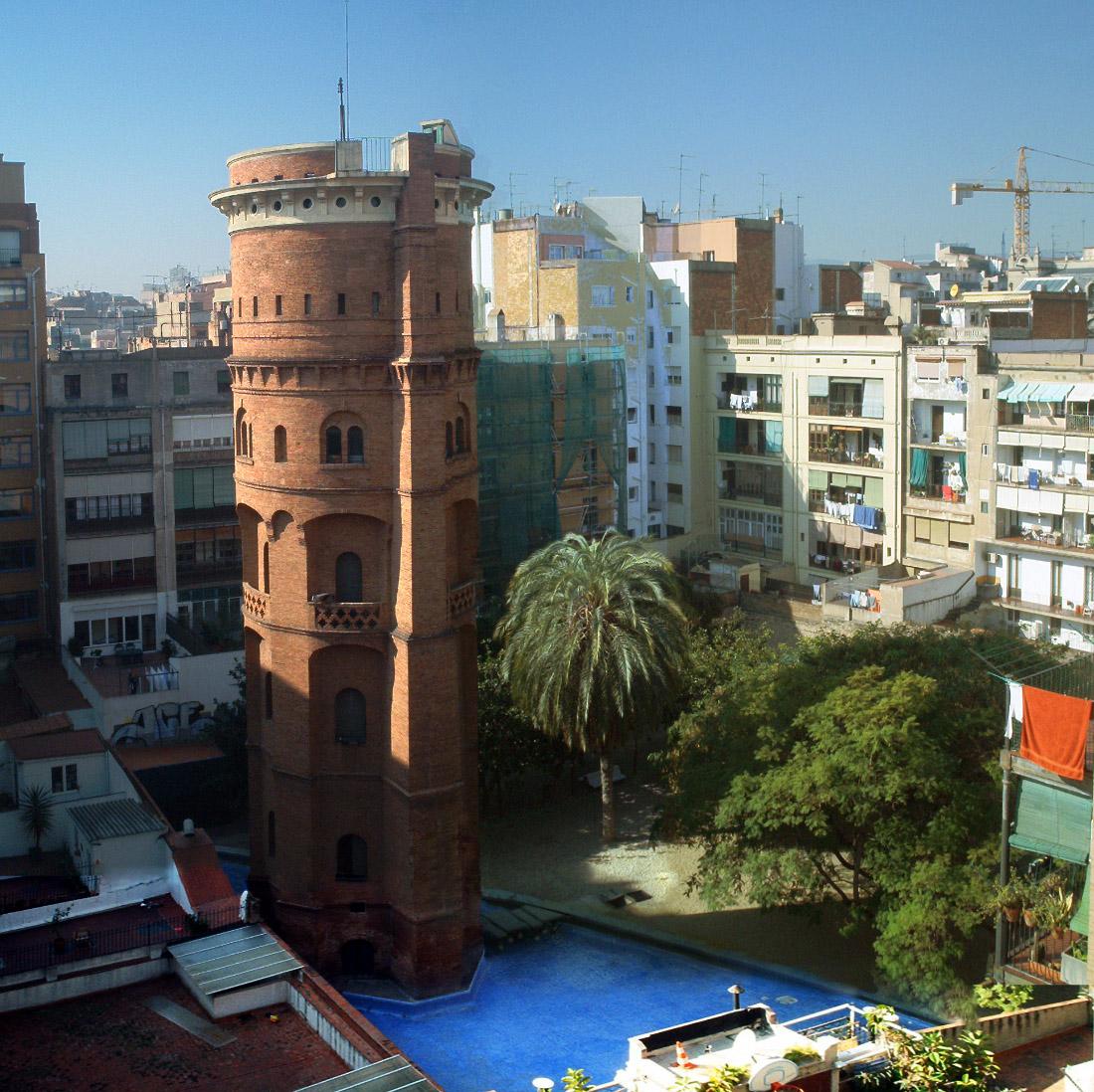 piscina en barcelona_torre de les aigues